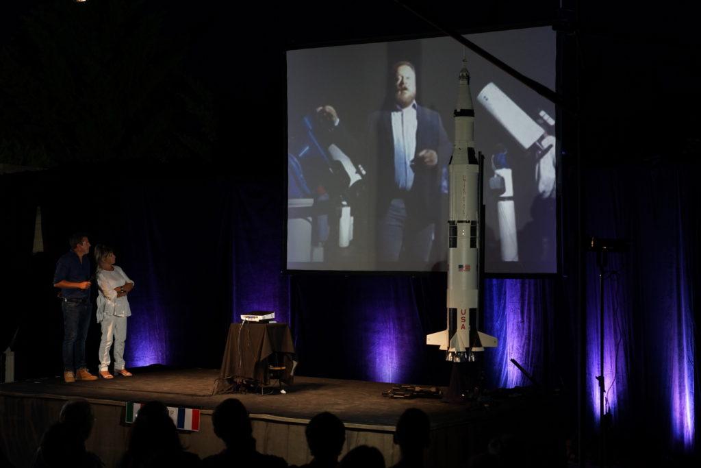 Duplex franco-italien en direct en prélude de la conférence de Patrick Baudry pour fêter les 50 ans du premier pas de l'Homme sur la Lune.